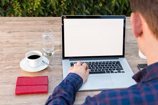 Quitter tout pour être travailleur indépendant, que faut-il faire ?