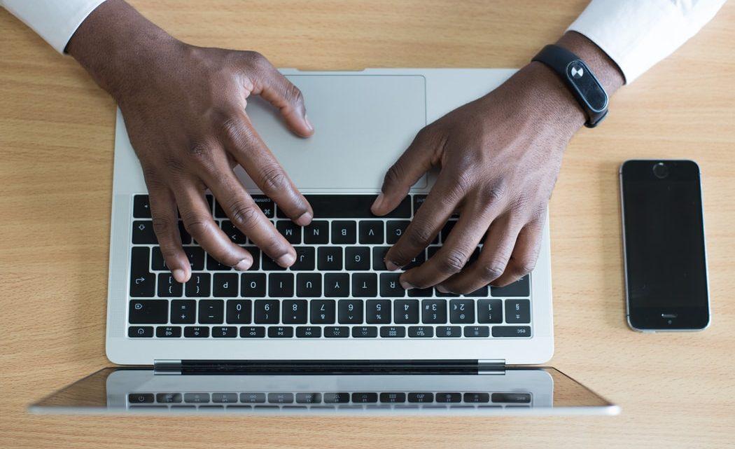Les fonctionnalités et avantages d'une banque en ligne