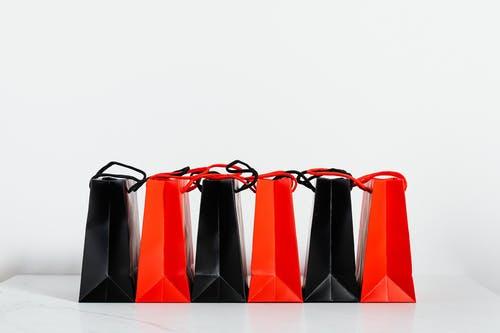 Des cadeaux de luxe d'entreprises: les goodies pour les collaborateurs et les meilleurs clients